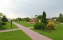 Парки в городке Золоче