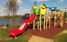 Детские площадки в коттеджном поселке Золоче