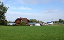 Яхт клуб рядом с коттеджным городком Золоче