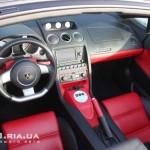 Lamborghini Gallardo Spyder вид на приборную панель