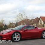 Ferrari Italia 458 вид с боку